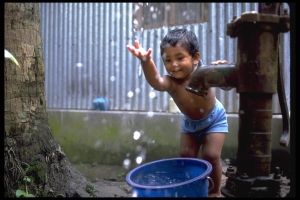UNICEF/ HQ00-0578/Shehzad Noorani